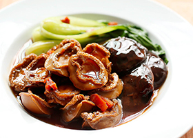 Braised_Abalones_with-Mushrooms