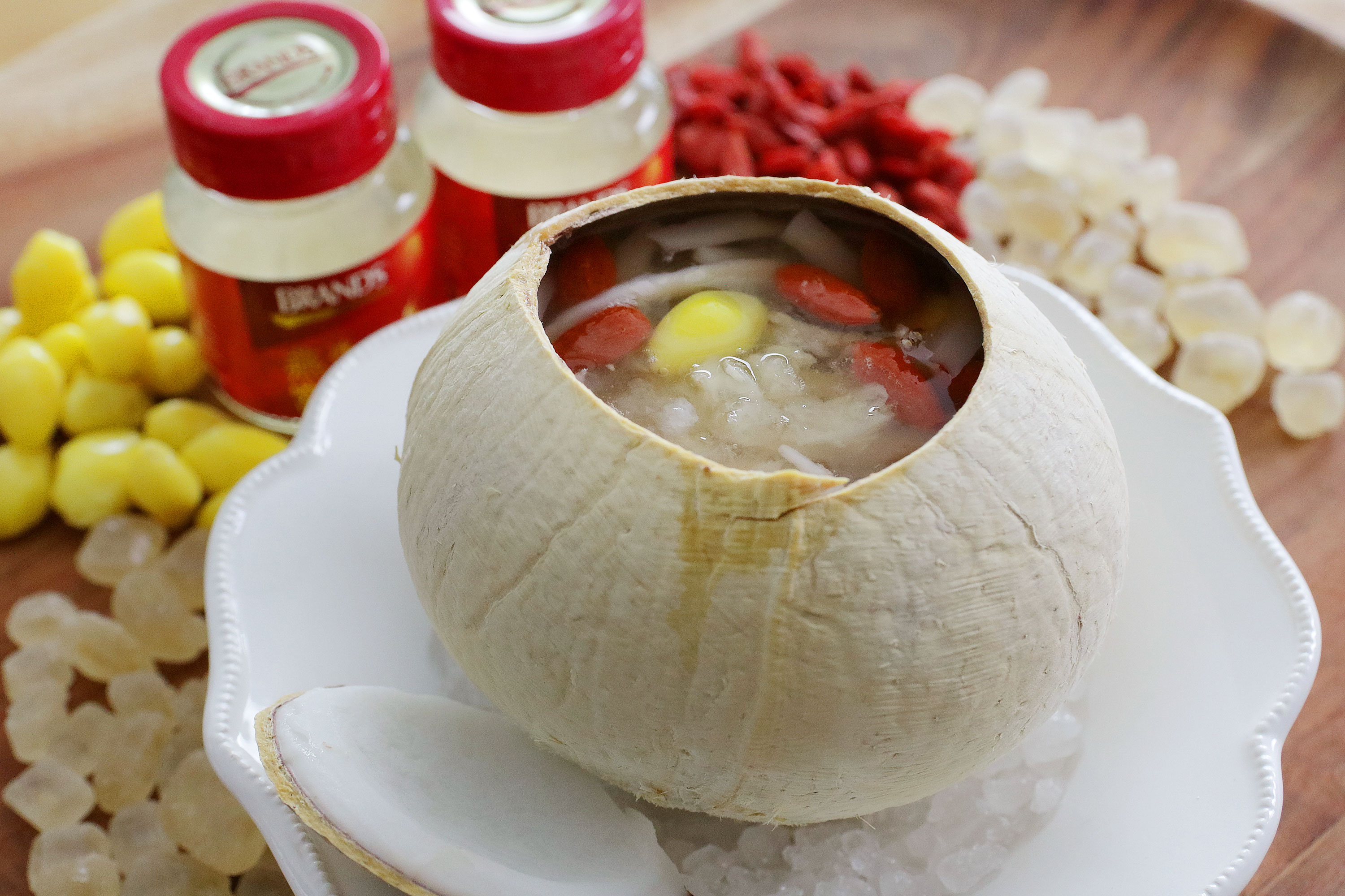 bird-nest-in-coconut