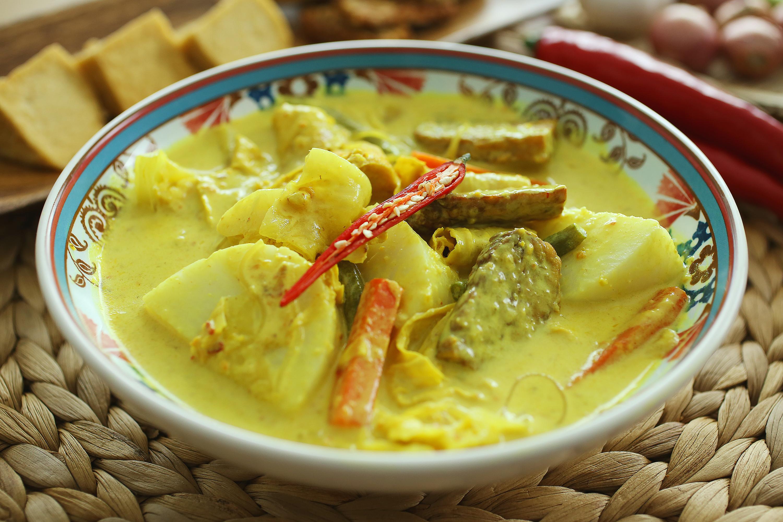 Lontong Sayur Lodeh - 蔬菜咖喱米糕