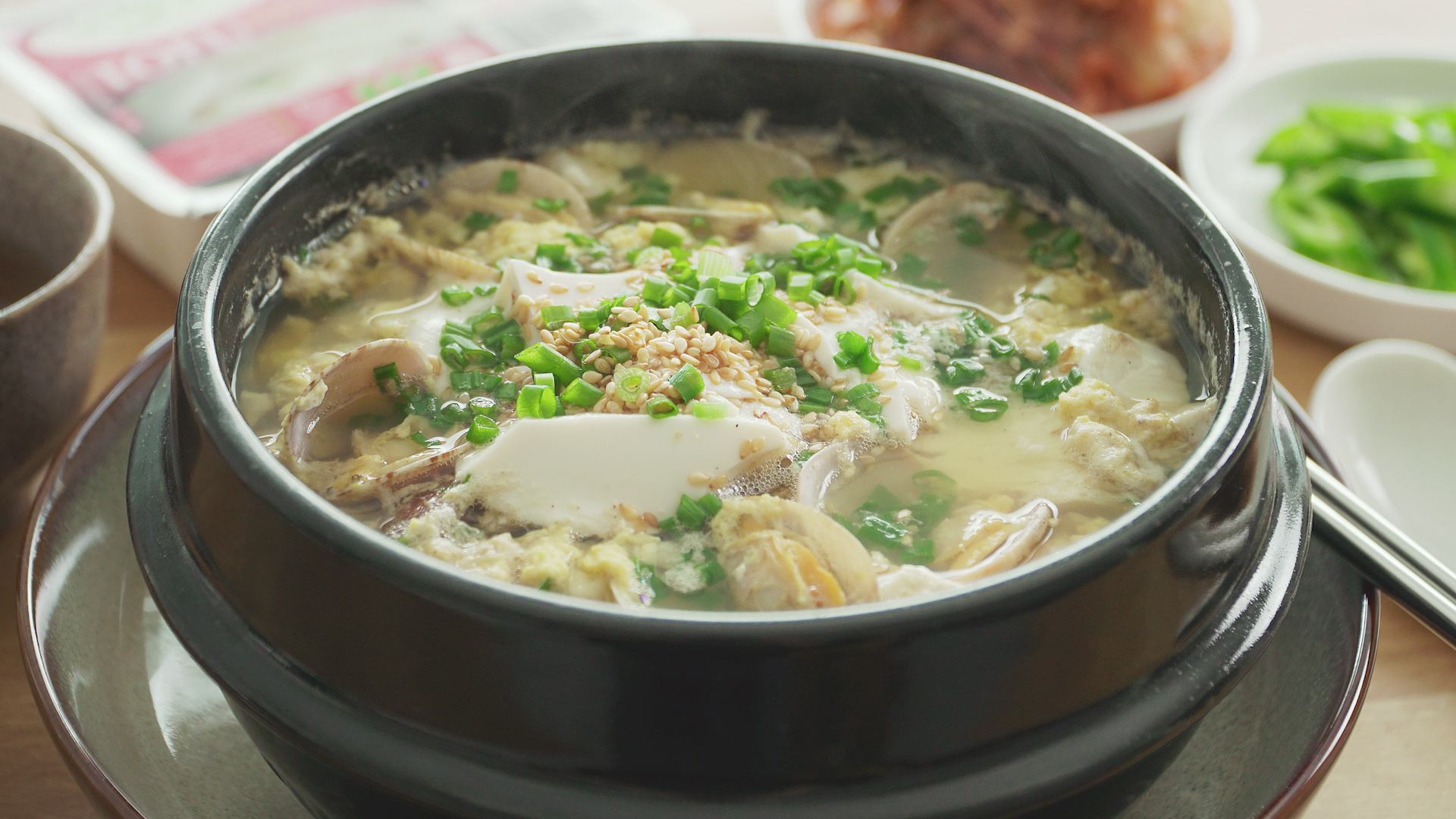 Tofu with Egg and Clams soup - 豆腐蛋花蛤蜊汤
