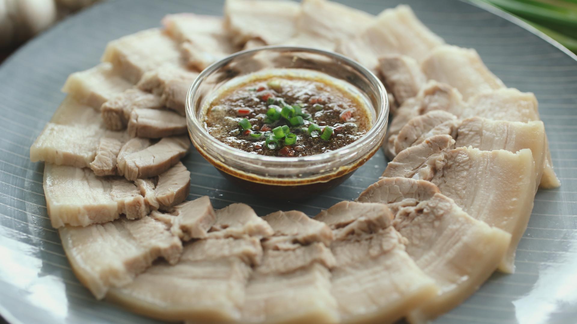 Garlic Paste Pork Belly - 蒜泥白肉