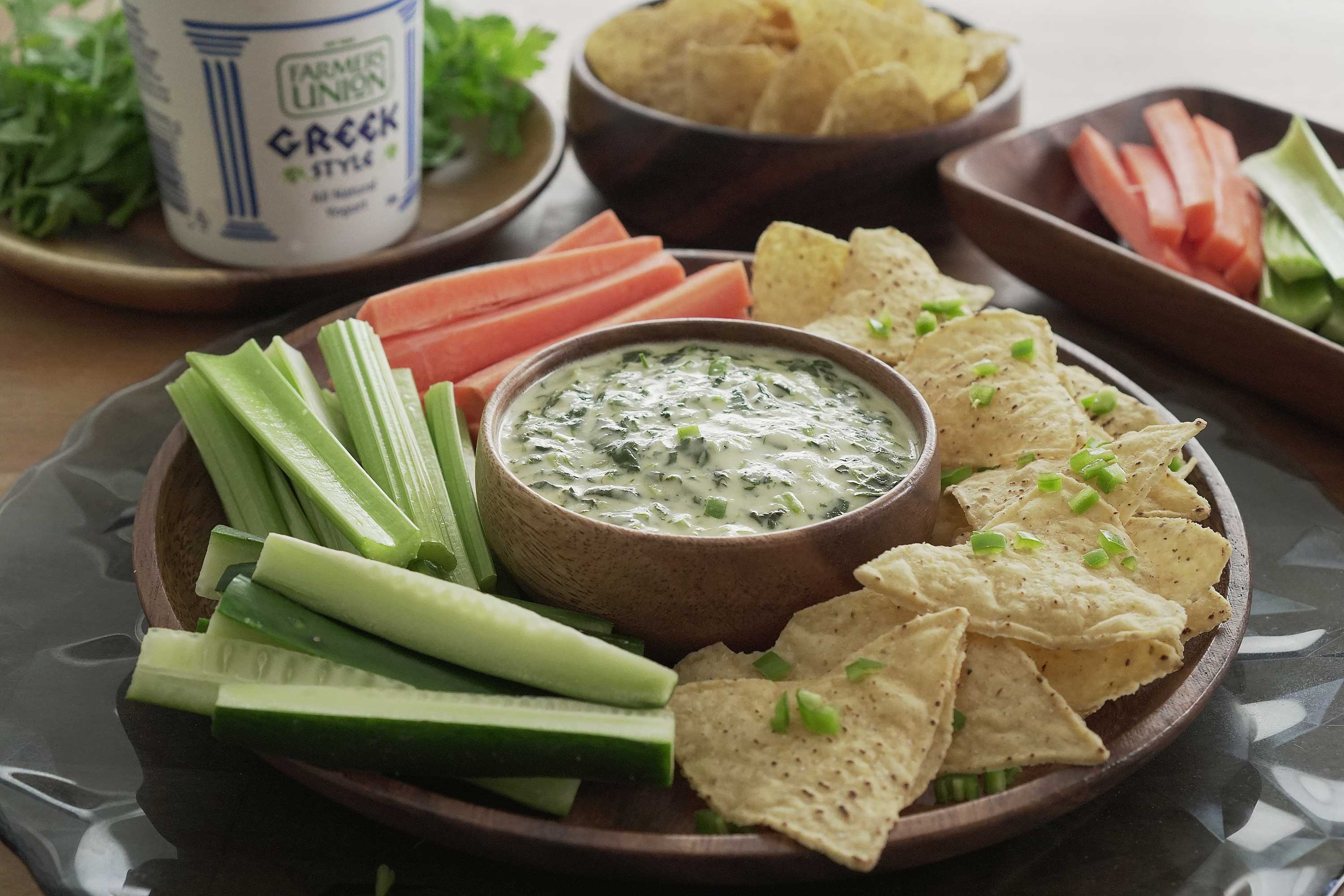 Greek Style Yogurt Spinach Dip - 酸奶菠菜酱