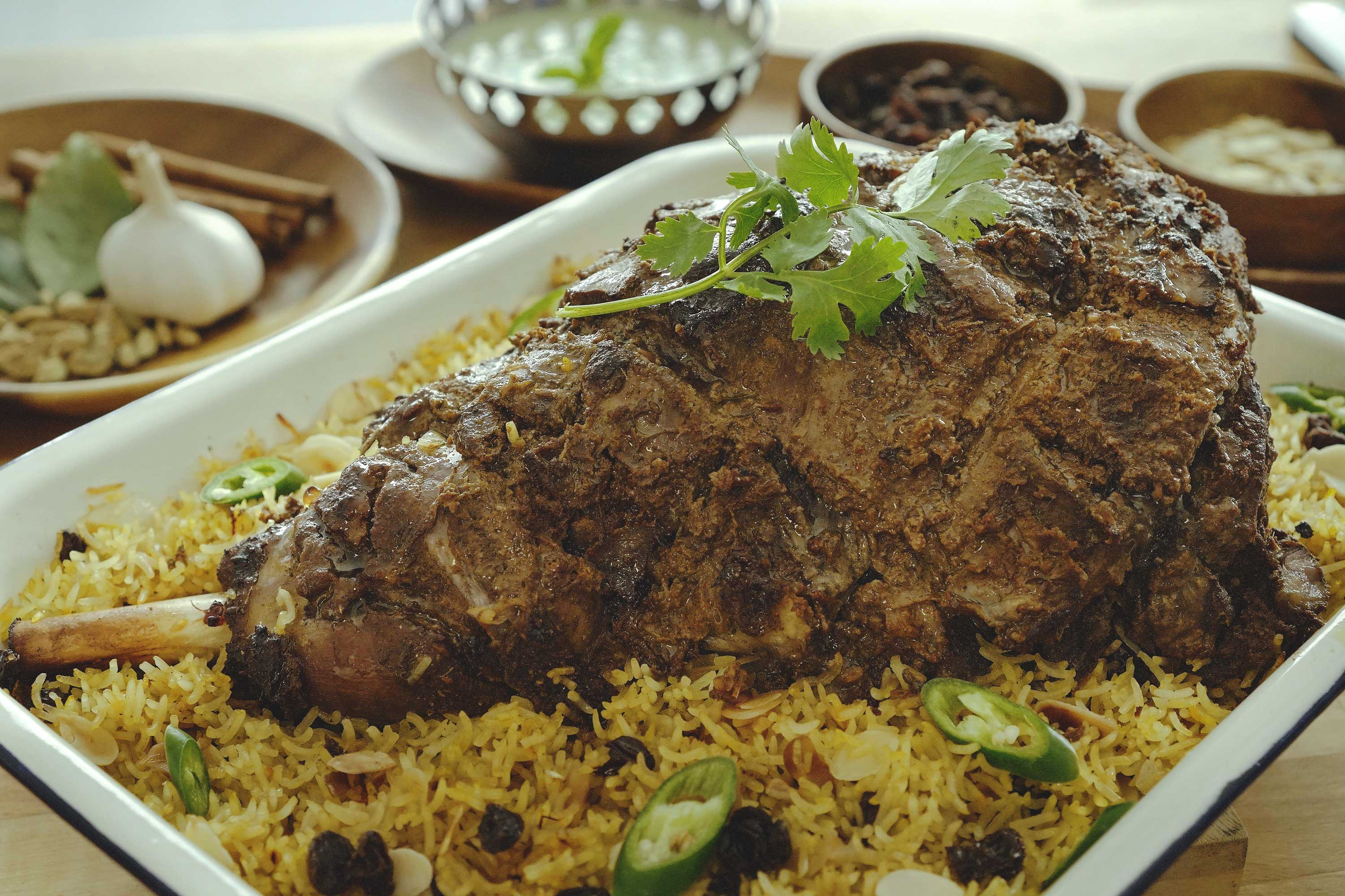 Roasted Spiced Leg of Lamb with Saffron Rice - 烤羊腿番红花饭