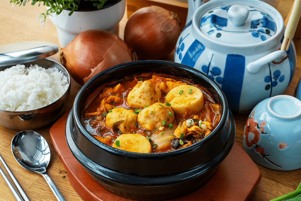 Cuttlefish Ball Kimchi Stew - 墨鱼丸泡菜炖