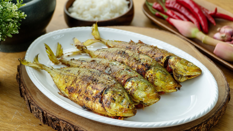 Pan Fried Mackerel with Chilli - 煎辣椒鲭鱼